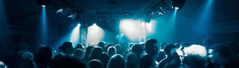 Verhuur van DJ apparatuur, verlichting, geluidsinstallaties, LED TV, Verlichte dansvloer , microfoons