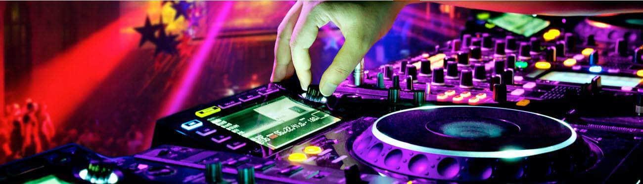 VERHUUR VAN: VERLICHTING, GELUIDSINSTALLATIES EN DJ'S