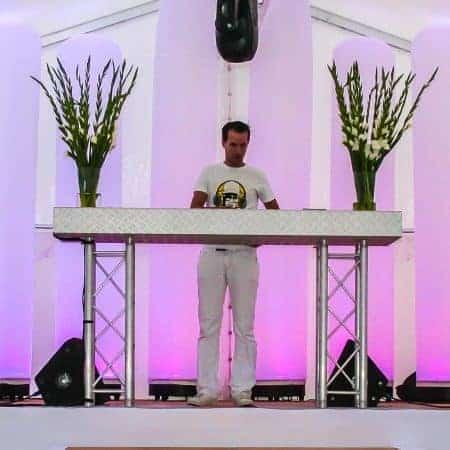 Verhuur DJ meubel truss