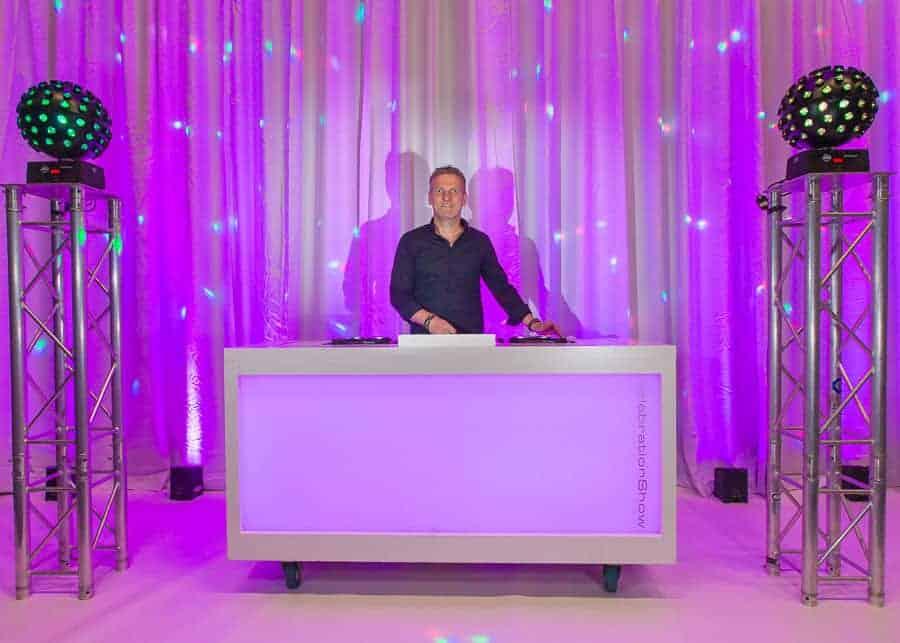 Verhuur DJ Booth Basic incl. Pioneer DJ set