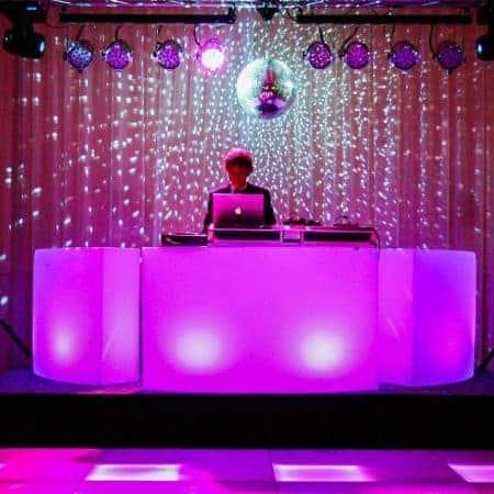 Verhuur ronde DJ booth