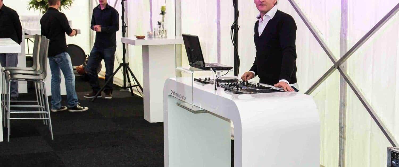 Hooglans Wit DJ meubel huren