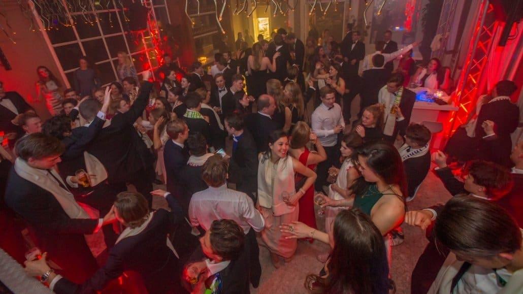 Sweet 18 feest met DJ - Orangerie Elswout