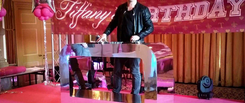 Celebration Zilveren DJ Booth