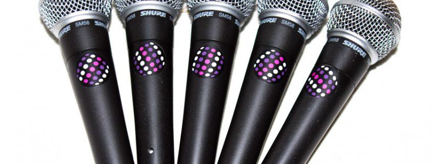 Verhuur van draadloze microfoons, headsets , instrument microfoons en katheder microfoons.