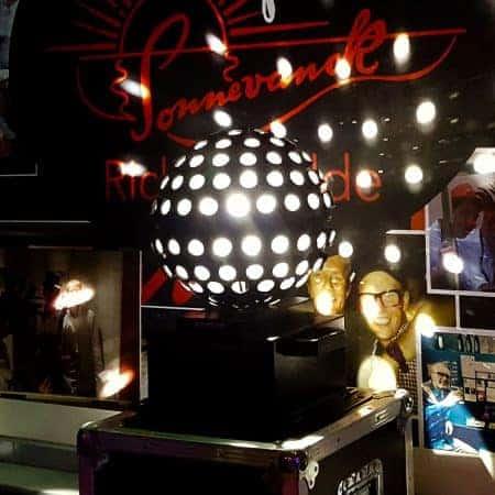 Woldstar spiegelbol lichteffect