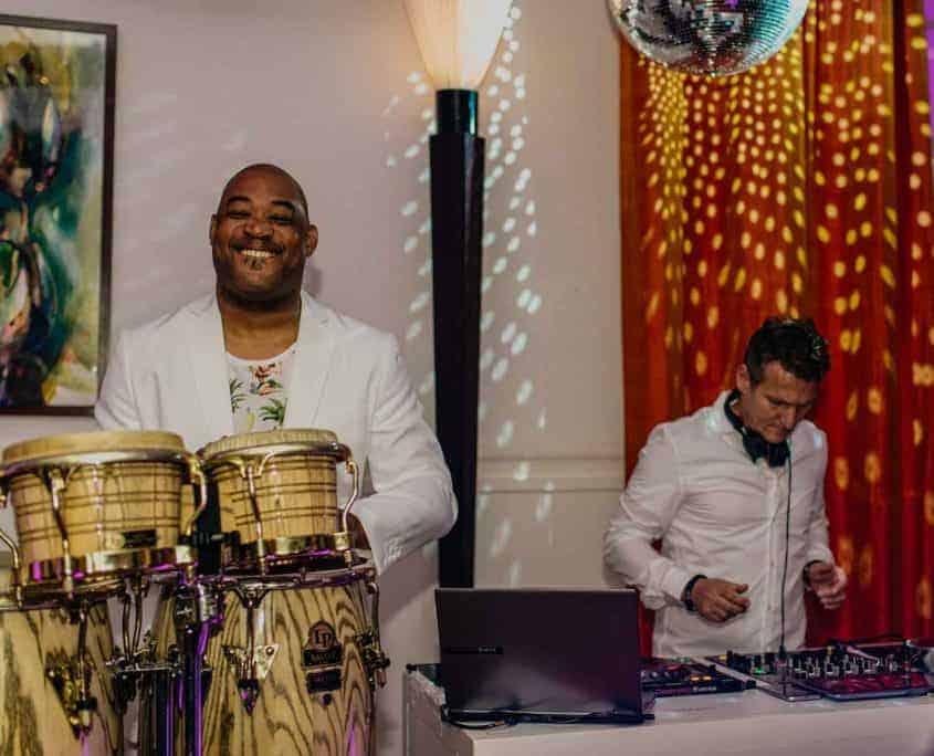 DJ met percussionist