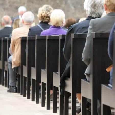 Verhuur geluidsinstallaties, tv-schermen en camnera registratie voor uitvaart en begrafenis.