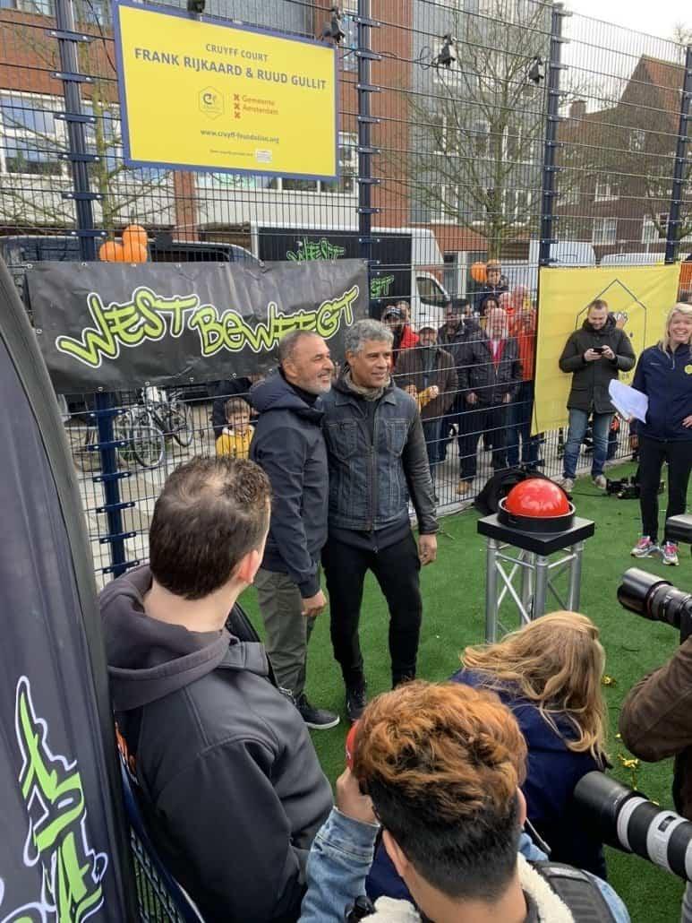 Geluidsversterking bij de opening CruyffCoart Balbaoplein Amsterdam